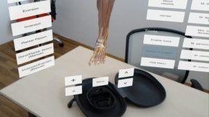 DynamicAnatomy medical application for MS HoloLens review